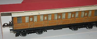 HORNBY SERIES O GAUGE No 2 CORRIDOR COACH BOXED IN LNER TEAK LIVERY