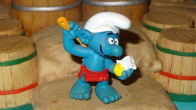 Smurfs Sauna Smurf with Scrub-Brush & Soap Rare Vintage Display Figurine