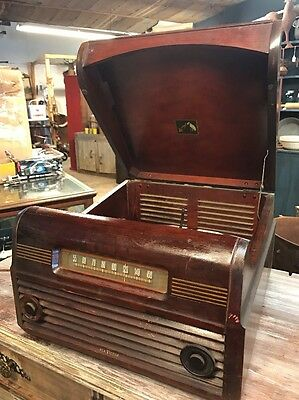 Antique Table top RCA Victor Victrola Record Player Model 77U tube radio combo