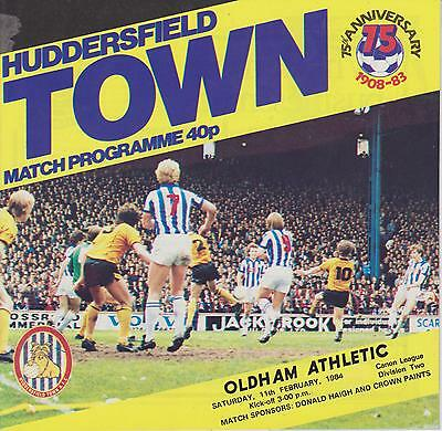 HUDDERSFIELD TOWN v OLDHAM ATHLETIC 83-84 LEAGUE  MATCH