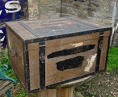 Vintage Large Wooden Travel Trunk Toy Box Coffee Table With Travel Labels