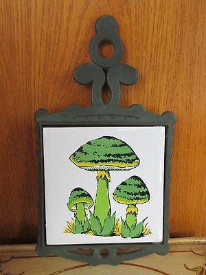 Vintage Cast Iron Trivet A Sanyo Tile Wall Hanging GREEN TRIO MUSHROOMS EUC