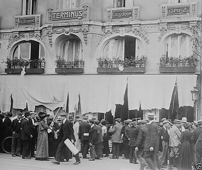 German restaurant in Paris destroyed by French mob World War I WWI 8x10 Photo