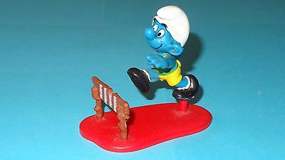 Smurfs Hurdler Super Smurf (Red Peg/Long Base) Rare Vintage Display Toy Figurine