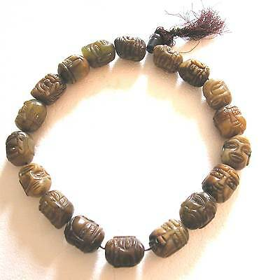 An Old Heavy Carved Jade Necklace - 18 Buddha  Heads - 357 Grams