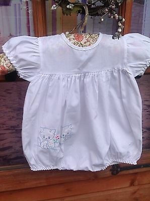 Gorgeous Vintage Babies Romper With Kitten Embrodiery 6-12 Months