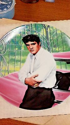 "Elvis Presley 9"" Plate ""the Gates Of Graceland"" New In Box Authentic Collectible"