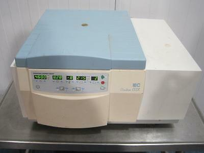 Iec Centra Cl3-R Cl3R Refrigerated Lab Centrifuge W/ 243 Rotor & 270.0G Buckets