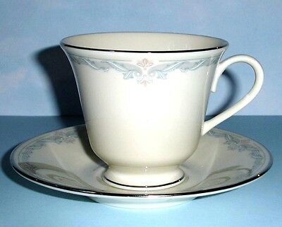 Lenox KINGSTON Tea Cup & Saucer Floral Motif Made in U.S.A New