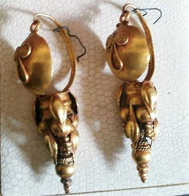 Gold Earrings.  Magna Greece. Century V a. C.