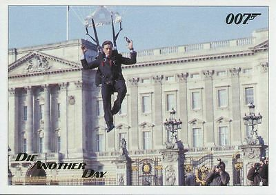 Die Another Day Gold Stamped Base Card #83 James Bond Archives 2017 Final Ed