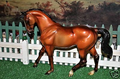Breyer 2002 QVC HICKSTEAD GLOSSY RED BAY BIG BEN