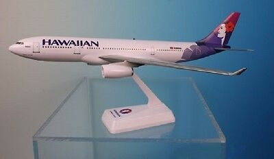 HAWAIIAN AIRLINES  AIRBUS A330-200   desk model 1:200