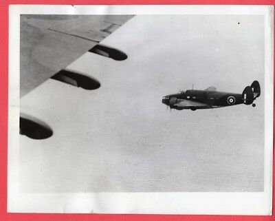 1941 RAF Ferry Command Flying Hudson to England 7x9 Original News Photo