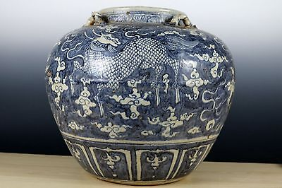 Beautiful Chinese Blue and White Porcelain Kylin Pot