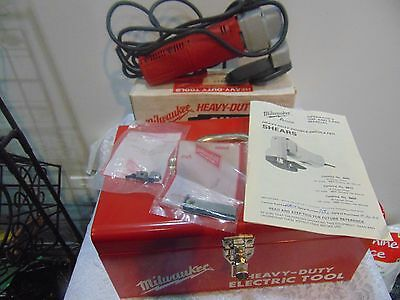 Barely Used 6815 Milwaukee Heavy Duty Double Insulated Shear 14 Gauge in Case