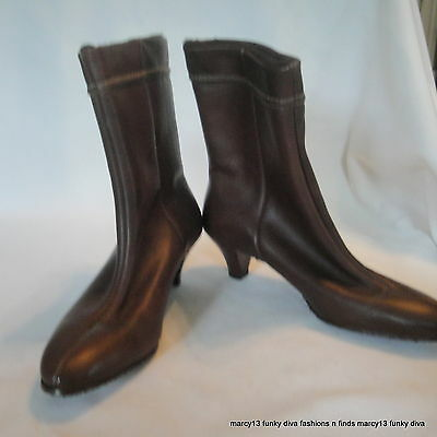 Mod Vintage 60's 70's  Unbranded Brown Synthetic Low Snow Boots w Heels Size 6.5
