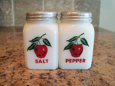 Vintage McKee Tipp APPLE Salt & Pepper Shakers