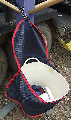 Ecotak Shademesh Posrtable BUcket Holder - Navy/Red Ecotak