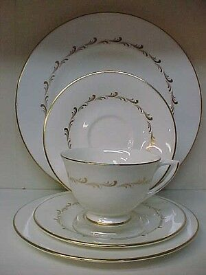 Royal Doulton Rondo 5 Pc Place Setting Dinner Salad Bread Plate Cup & Saucer