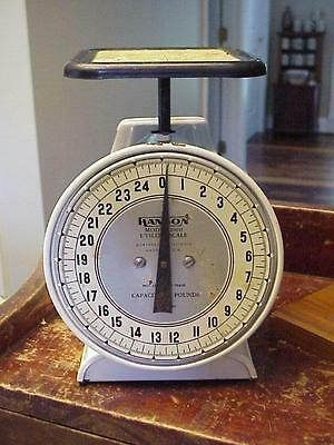 VINTAGE Farmhouse HANSON KITCHEN UTILITY SCALE Country Store Counter 25 LB SCALE