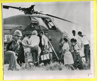 1966 Vietnam Helicopter Evacs American Civilians Da Nang Press Wirephoto