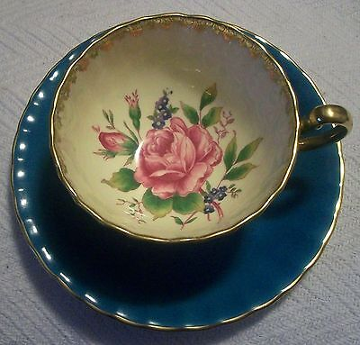 Excellent Aynsley Porcelain Interior Decorated Large Cabbage Rose Tea Cup Saucer