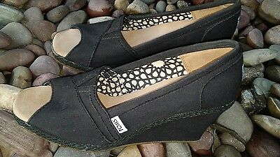 womens TOMS black wedge peep toe  shoes size 8