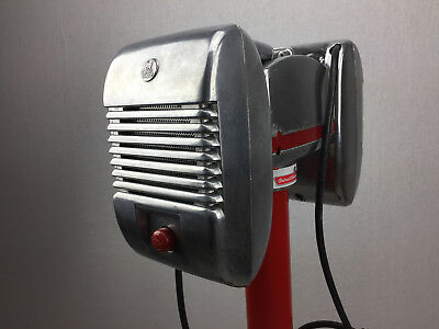 Detroit Diecast Red Knob RCA Drive-In Theatre Movie Speakers With Junction Box