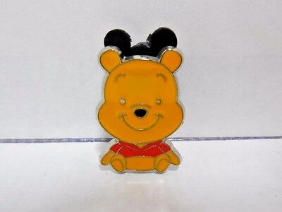 DISNEY PIN Winnie the Pooh Sitting Smiling Official Pin Trading 2010