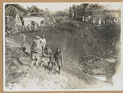 1918 British French Troops in Ruins of Ham France 6x8 Original News Photo