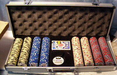 "*** 400 Piece ""low stakes"" POKER CHIP SET w CASE- Pharaoh's CASINO - look new"
