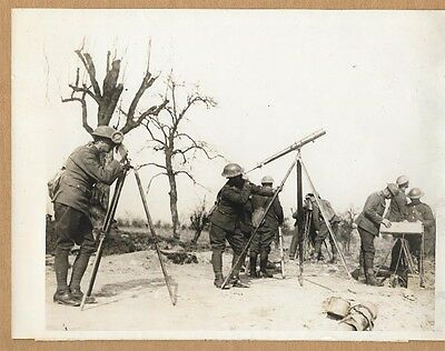 WWI British Anti-Aircraft Unit Ranges in on Gotha Bomber Original Press Photo