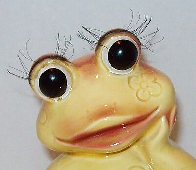 Vtg Japan Anthropomorphic Frog Figurine w/ Eyelashes Yellow Pink Flower Ceramic