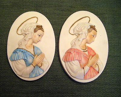 G. RUGGERI SCULPTURE 1th Century Madonna Wall Plaque Made In Italy. set of 2