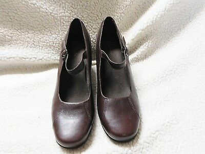 Clarks Mary Jane Shoes/heels - Size 9.5M Womens