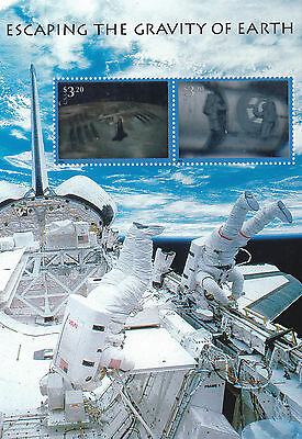 Scott #3411   Us Souvenir Sheet   Escaping  The  Gravity  Of  Earth     Mnh