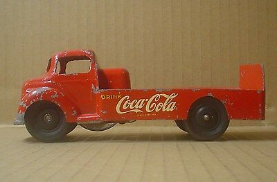 Vintage 1950s ~ Coca Cola Die Cast Friction Beverage Truck ~ London Toy