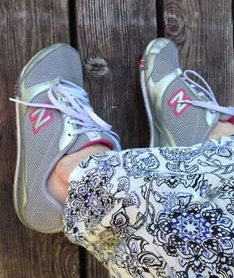 Nb New Balance Women's Sneakers Shoes Grey Mesh Used Sz 10 Soft Trainers Fabric