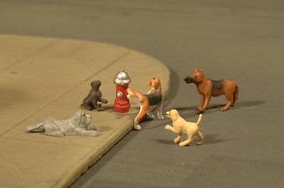 Bachmann 33158 O-Scale Dogs (5) with Fire Hydrant (1) (6 pieces total)