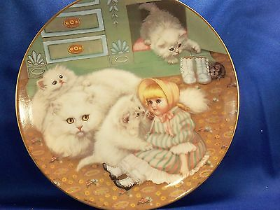 "Collector Cat  Kitten Plate ""Captive Audience"" from Country Kittens, has COA VGC"