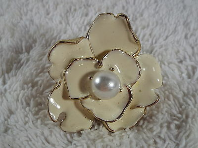 Goldtone Cread White Bead Flower Ring - Size 6 (B42)