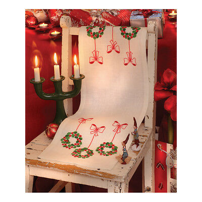 ANCHOR   Embroidery Kit: Three Wreaths -  Runner   92400002538