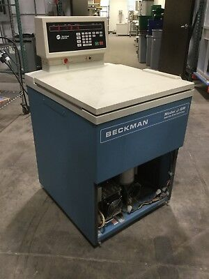 Beckman Model J-6M Induction Drive Centrifuge 208V 1-Phase *Works, See Details*