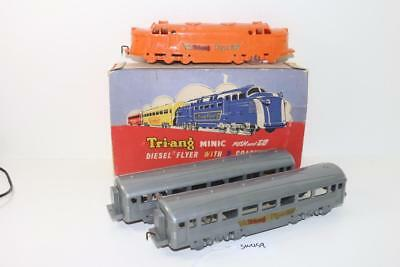 Triang Minic Push & Go Diesel Loco Flier Flyer & 2 Coaches Boxed FNQHobbys SW459