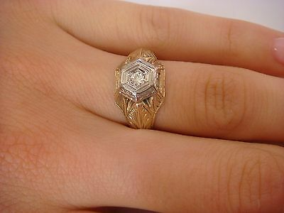 Gorgeous 14K Gold Art-Deco Hand Engraved Ladies Ring With Vs 0.10 Carat Diamond