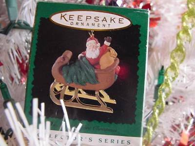 1996 HALLMARK MINIATURE ORNAMENT Santa in Sleigh The NIGHT BEFORE CHRISTMAS wBOX