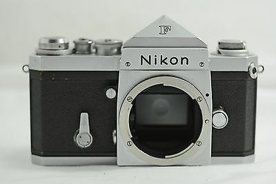 VINTAGE NIKON F CAMERA BODY WITH EYE LEVEL FINDER 670xxxx