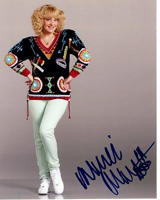Wendi McClendon Covey Signed Autographed 8x10 The Goldbergs Beverly Photograph