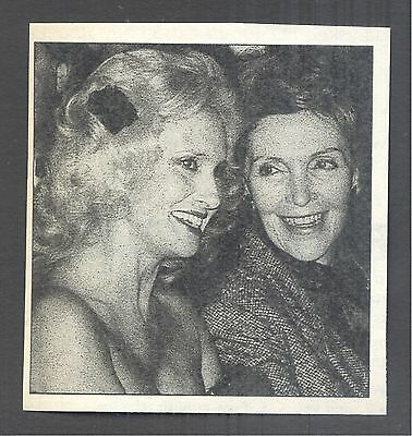 Tammy Wynette with Nancy Regan in 1978 Magazine Photo Clipping. White House BBQ